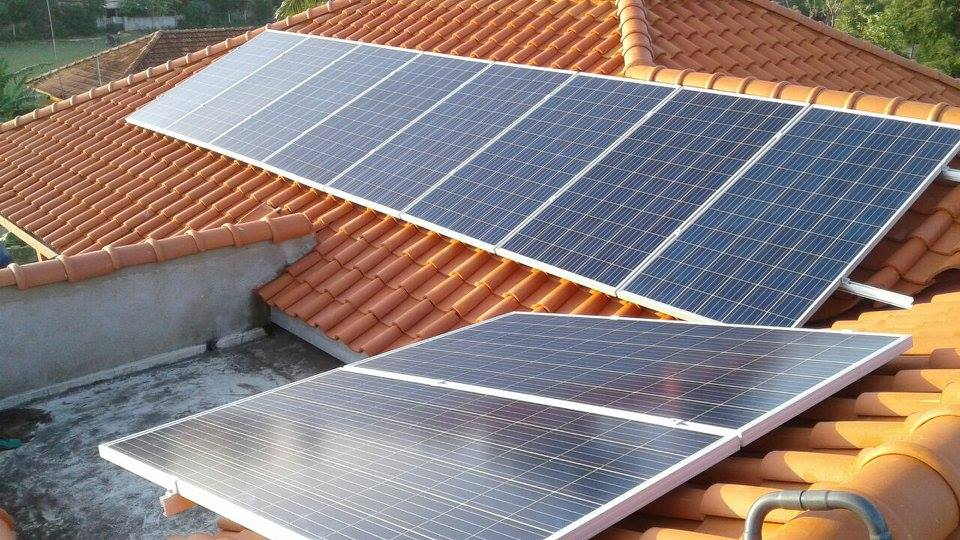 Solar Power Electricity For Homes and Bungalows. ·
